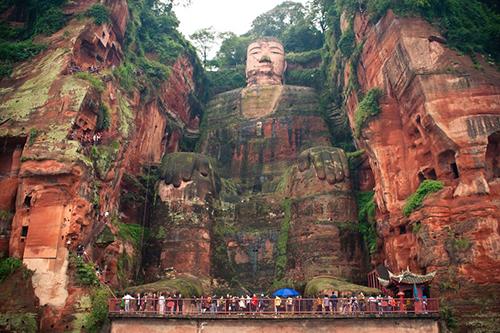 Lạc Sơn Đại Phật, di sản thế giớihơn 1.300 tuổi ởtỉnh Tứ Xuyên, Trung Quốc. Ảnh: 50bugs.