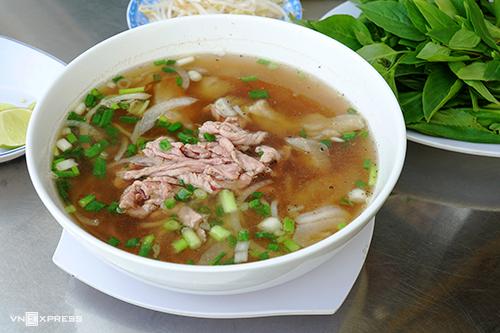Quán ăn, ẩm thực: Quán Phở Ngon Quận 3 Pho-sa-i-go-n-vnexpress2-1635-4347-5255-1559880223