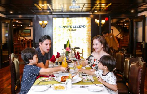 Gia đình Đan Lê đi nghỉ trên du thuyền Sealife Legend - 4