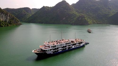 Gia đình Đan Lê đi nghỉ trên du thuyền Sealife Legend - 5