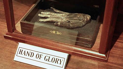 Bàn tay Vinh quang được trưng bày trong bảo tàng Whitby ở Anh. Ảnh: Amusing Planet.