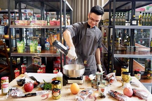 Casa Espana là đơn vị đồng tổ chức ngày Tapa thế giới tại Hà Nội. Ảnh: Lan Hương.