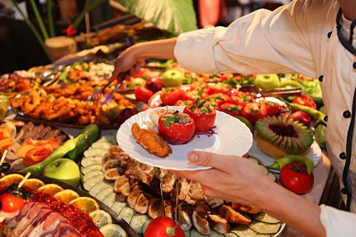 Ẩm thực là một trong những lý do hàng đầu để hành khách chọn nghỉ dưỡng trên du thuyền. Ảnh: Kellys Cuisine.