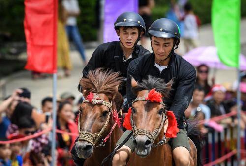 Những khoảnh khắc thú vị trong giải đua ngựa ở Fansipan - 5