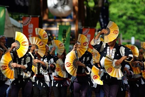 Mùa hè cũng là mùa lễ hội ở Nhật Bản. Ảnh: Alljapantours.