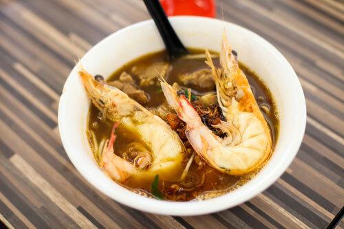 Mì tôm là món ăn phổ biến bậc nhất của người Singapore. Ảnh: Khương Nha.