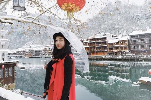 Vào mùa đông, nhiệt độ của Phượng Hoàng cổ trấn có thể xuống tới âm 5 độ. Ảnh: Lan Hương.