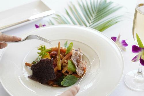Bạn và cả gia đình có dịp quây quần cùng nhau tận hưởng bữa tối với các món ăn ngon đặc trưng tại The Peppertree. Trong ảnh là món Pot Au Phở kết hợp ẩm thực Pháp và Việt Nam, hiện được quảng bá cho khách trong chương trình Dinner On Us.