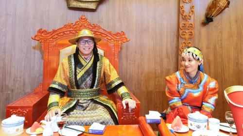 Trong tháng 6, 7, 8 này, Thuận Phong Travel tổ chức các tour khám phá Nội Mông với chuyến bay thuê bao (charter flight) bay thẳng không quá cảnh, khách sạn 4 sao chuẩn quốc gia cùng thủ tục visa đơn giản, với mức giá ưu đãi lớn. Nội Mông sẽ là sự lựa chọn tốt cho kỳ nghỉ hè thêm thú vị. Hotline: 0909842618 - 0903380228hoặc tham khảo lịch trình tour du lịch Nội Mông tại đây.