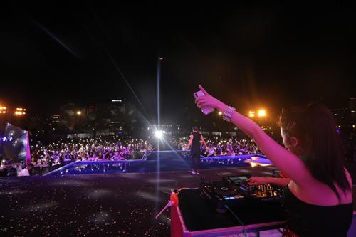 Hạ Long là nơi thường xuyên tổ chức vô số lễ hội âm nhạc, ẩm thực... sôi động dành cho giới trẻ.