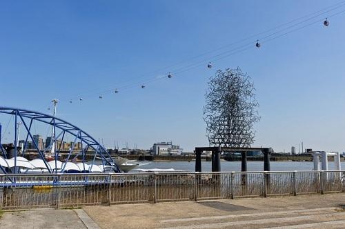 Tác phẩm điêu khắc dây lượng tử của đám mây của Anthony Gormley tại The Line. Ảnh: The Culture Trip.