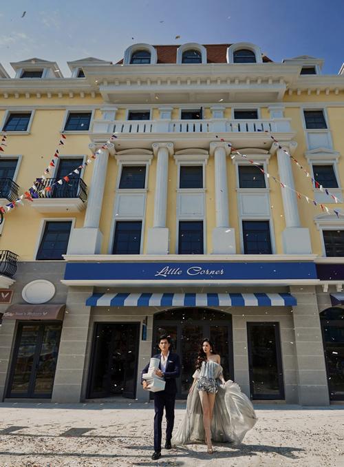 Dự kiến bàn giao & đi vào vận hành vào cuối năm nay, Shophouse Europe gồm 3 tiểu khu Silk Road, Élyseé và L'Opéra với 16 block nhà phố thương mại sẽ bổ sung vào chuỗi trải nghiệm mua sắm xa xỉ của du khách trong hành trình khám phá di sản thế giới vịnh Hạ Long.