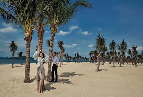 Đặc biệt, dòng khách thượng lưu đến từ khu nghỉ dưỡng 5 sao bên bờ biển đầu tiên tại Hạ Long - Sun Premier Village Ha Long Bay sẽ mang tới nguồn doanh thu khổng lồ cho các dịch vụ, mặt hàng cao cấp được kinh doanh tại tiểu khu Silk Road kề bên.