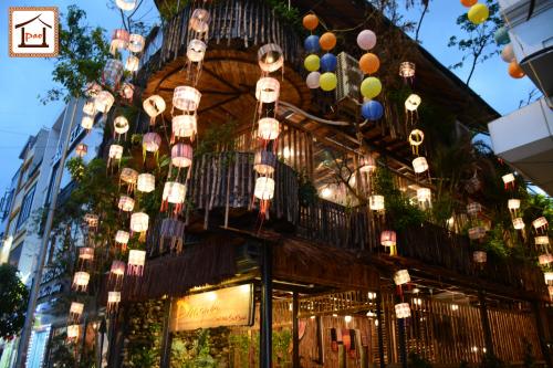 Nhà hàng Pao Quán, số 1, ngã 5 Hà Trì, phường Hà Cầu, Hà Đông.