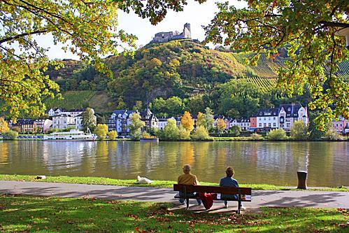 Thị trấn Traben Trarbach nhìn từ bờ sông Moselle. Ảnh:Ảnh: Pixelbay.