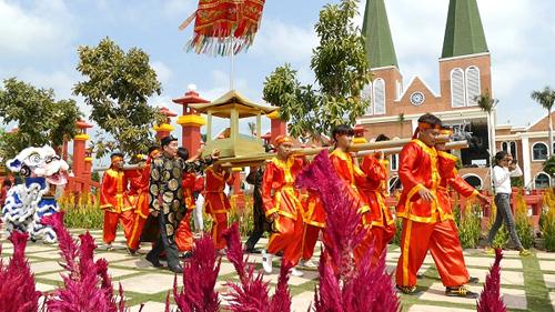 Lễ hội tại khu du lịch cáp treo núi Sam.