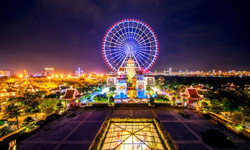Modern theme parks add value to Vietnam's tourism hotspots