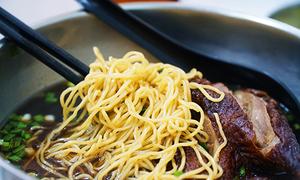 Những quán gà, vịt tiềm nổi tiếng ở Sài Gòn