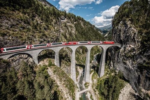 Tuyến đường Albula và Bernina được UNESCO công nhận là di sản thế giới năm 2018. Ảnh:  Embassy of Switzerland.