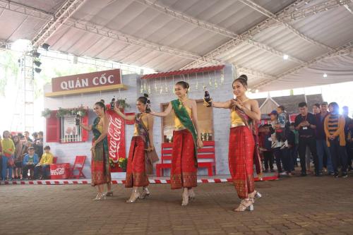 Đồng thời, người chơi nhận phần thưởng tinh thần là những màn biểu diễn đặc trưng cảu văn hóa truyền thốngThái - Hàn - Việt - Nhật.