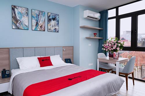 Căn phòng như trên ảnh có giá từ 500.000 đồng một đêm ở Hà Nội, có đầy đủ bếp để du khách có thể tự mua đồ về nấu nướng.