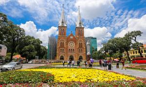 Khách Tây: 'Đường phố ở TP HCM sạch hơn Bangkok'