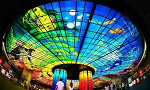 Ga tàu điện ngầm vòm kính lớn nhất thế giới ở Đài Loan
