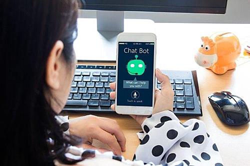 Chatbot được sử dụng như công cụ trò chuyện tự động. Ảnh: Pinterest.