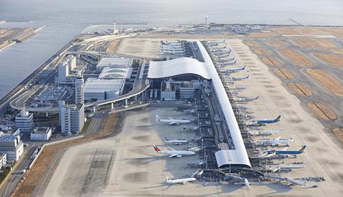 Nhà ga số 1 của sân bay Kansai là nhà ga dài nhất thế giới. Ảnh:VINCI.
