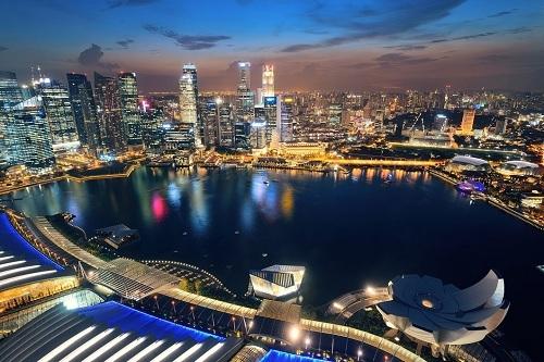Cấm tụ tập sau 22 giờ ở Singapore giúp duy trì trật tự và đảm bảo an ninh nơi công cộng. Ảnh: The Finder.
