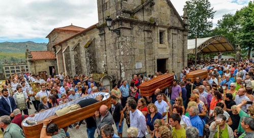 Lễ hội tôn vinh sự sống bằng không khí của đám tang ở Tây Ban Nha. Ảnh: BBC.