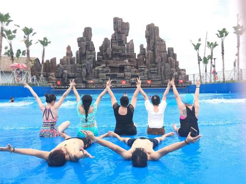 Dự kiến trong dịp 2/9lượng khách đến đông nên ban quản lý công viên nước Thanh Hà đã lên kế hoạch chuẩn bị kỹ lưỡng và sẽ tăng cường tối đa nhân viên để phục vụ khách hàng chu đáo.