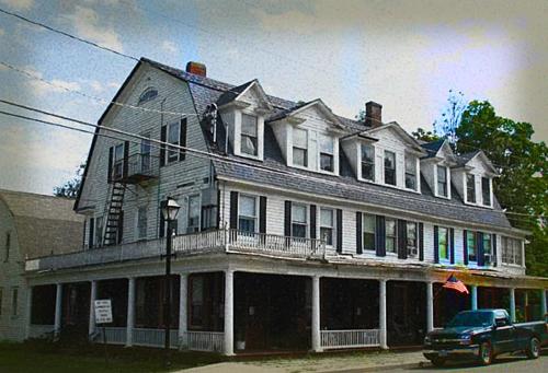Khách sạn Shanley nhìn từ bên ngoài. Ảnh:Fright Find.