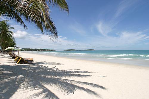 Một trong những bãi biển cát trắng ở Hua Hin. Ảnh: The Beach.