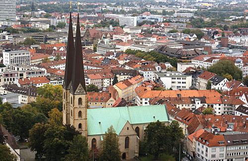 Bielefeld nằm cách Berlin gần 390 km. Ảnh:Michael Pereckas.