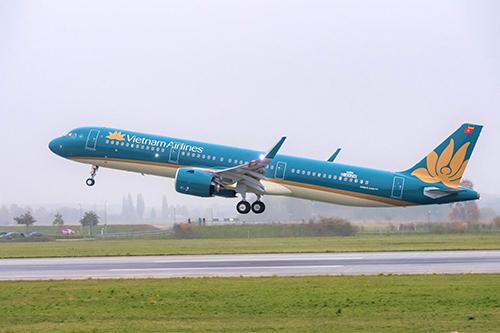 Vietnam Airlines và Jetstar Pacific cung ứng tổng cộng gần 242.000 chỗ trên toàn mạng bay nội địa từ 30/8 đến 2/9. Các đường bay được tăng cường nhiều nhất chủ yếu là các điểm du lịch như Hà Nội, TP HCM, Huế, Đà Nẵng, Quy Nhơn, Nha Trang, Đà Lạt, Phú Quốc.