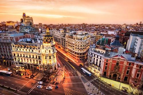 Thủ đô Madrid là thành phố lớn nhất ở Tây Ban Nha. Ảnh: Mirror.