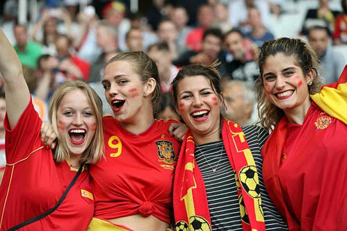 Bóng đá Tây Ban Nha thu hút đông đảo người hâm mộ trên khắp thế giới. Ảnh:Novi.