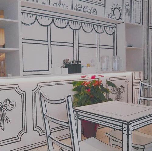 Blogger Nhật Bản Nunipo Puniko cho viết rằng khi bước vào quán, cô có cảm giác như đang sống trong thế giới của một cuốn sách tô màu.