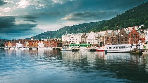 Bergen còn được mệnh danh là thành phố mưa bay. Ảnh: Tugo.