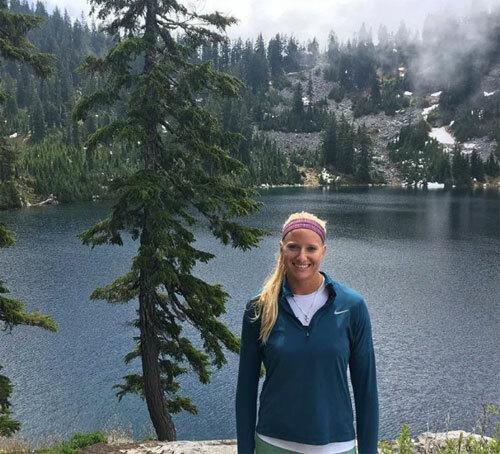 Heather Friesen hiện là vận động viên bóng chuyền bãi biển chuyên nghiệp. Ảnh: News.