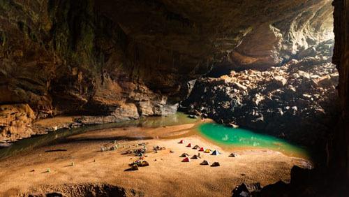 Khám phá hang động lớn nhất thế giới