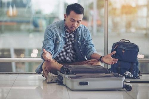 Hộ chiếu bị mất có thể bị lợi dụng từ kẻ xấu. Ảnh: Fodor Travel Guide.