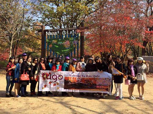 Ngày càng nhiều du khách cọn tour cao cấp đi Hàn Quốc, Nhật Bản và châu Âu. Ảnh: Tugo.