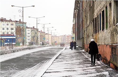 Mùa thu ở Nga thường có mưa và tuyết.Norilsk thường là thành phố sớm nhất ở Nga đón tuyết rơi. Khoảng tháng 9 đến tháng 10 du khách đã có thể thấy những bông tuyết đầu tiên trên thành phố. Ảnh:Kirill Skurikhin.