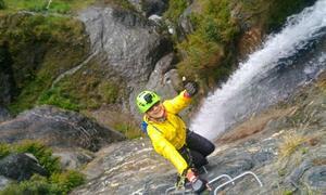 Chinh phục đường leo thác cao nhất thế giới