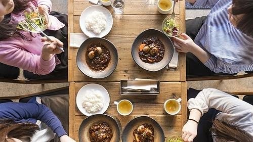 Người Nhật thực hiện nguyên tắc Hara Hachi Bu cho rằngkhông bao giờ ăn no100%. Ảnh: Istock.
