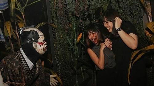 Đêm Halloween kinh hoàng của nam du khách - 2