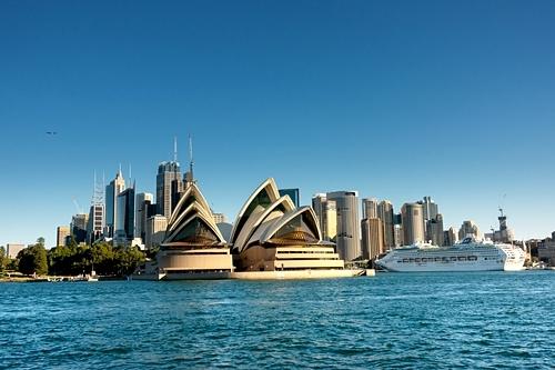 Nhà hát con sò là một trong các điểm tham quan không thể bỏ qua khi đến Sydney. Ảnh: Envato.