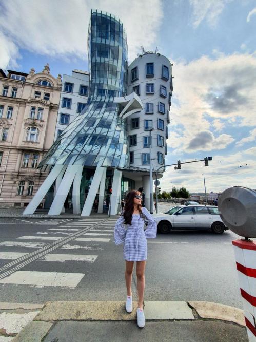 Bí quyết chụp ảnh khi du lịch một mình ở châu Âu - 5
